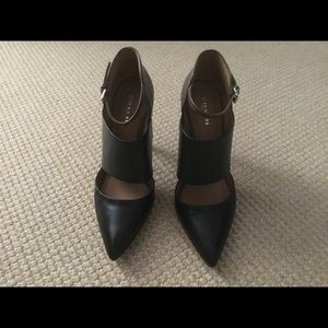 Coach Shoes, Black and Olive, Size 8M